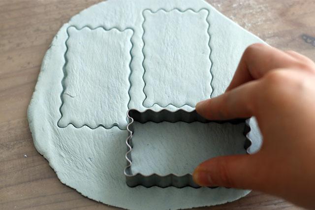 100均にはさまざまなクッキーの型があるので、チェックしてみよう 【賃貸DIY】リラックス度UP!100均の石粉粘土で人気のアロマストーンを作ろう