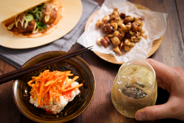 コンビニ食材にひと手間かけるだけで、いつもの晩酌が特別なひとときに|【コンビニ飯レシピ】5分で完成! ハイボールに合う簡単&絶品おつまみ3選