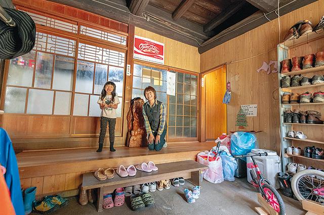 祖父江さんファミリーが暮らす古民家賃貸物件の玄関
