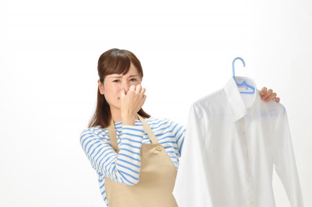 自宅アパートで焼肉をするなら、衣類はすべてクローゼットに収納しよう