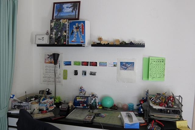 実際に目線上部に好きなフィギアを飾った部屋