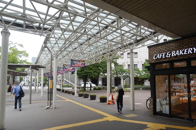 船堀駅北口のCafe&bakery AZALEE 船堀店