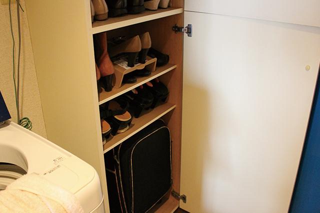 下駄箱の下の段にはオフシーズンの靴と、めったに使わないけど捨てられもしない靴などを入れておくと良い