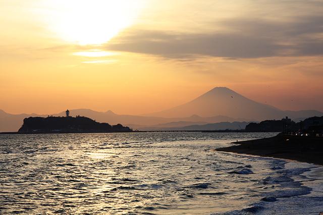 夕日と江の島と富士山