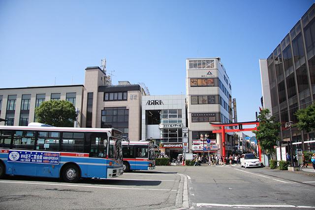 鎌倉駅東口のロータリーから続く小町通り