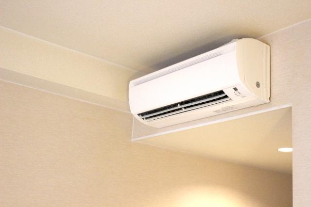 引越しの際のエアコンの移設方法は? 処分する場合の手順やかかる費用も調査