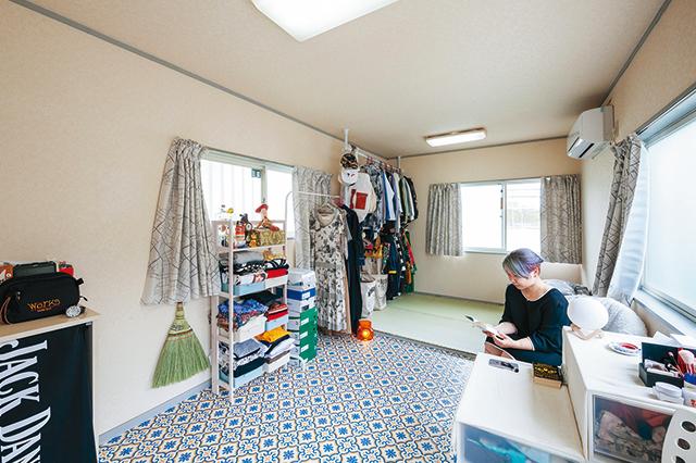 1Rで家賃3万円!家賃を抑えて好きなものと暮らす、一人暮らしの女性の部屋にお邪魔した