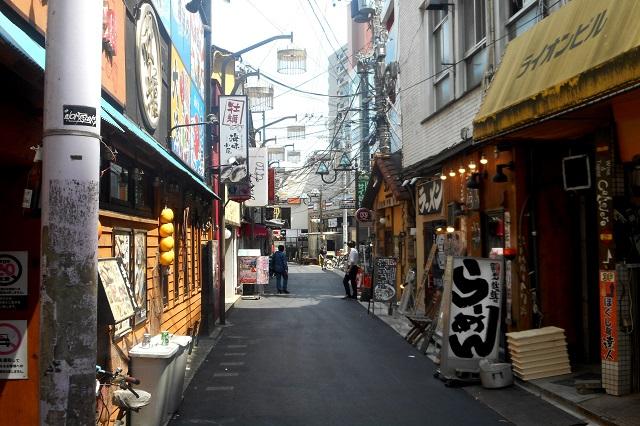 船橋駅前の商店街