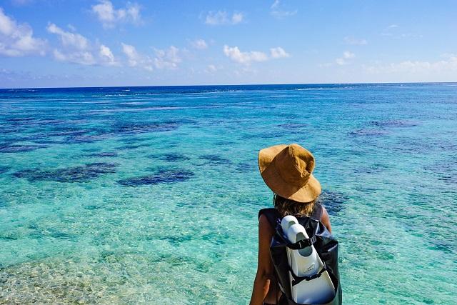 宮古島の美しい海とmaakoさん