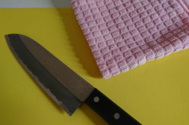 まな板と包丁とタオル