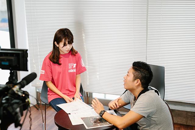 「トライアスロンってなんだろう!?」撮影前のNMB48・磯佳奈江さんの様子