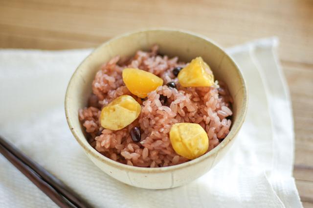 無印良品の冷凍食品「栗と赤飯のおこわ」