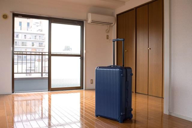 家具・家電類をすべて新調すれば、実家から新居へ運ぶものは衣服や日用品程度で済む