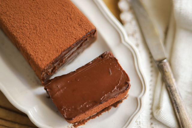 バレンタイン濃厚すぎて危険とろける大人味の金塊チョコケーキ