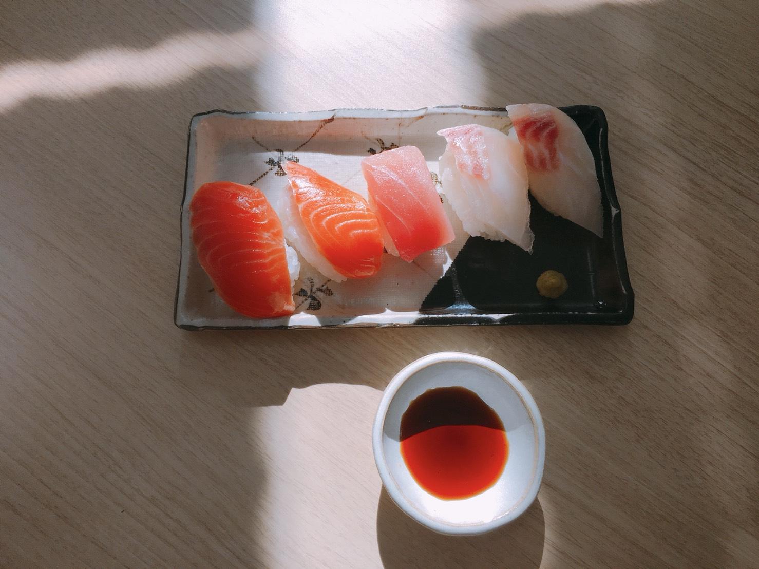 中山が作ったのは寿司