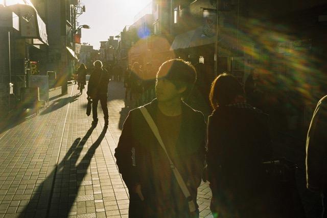 武蔵小杉の商店街を歩くカッコイイえーちん