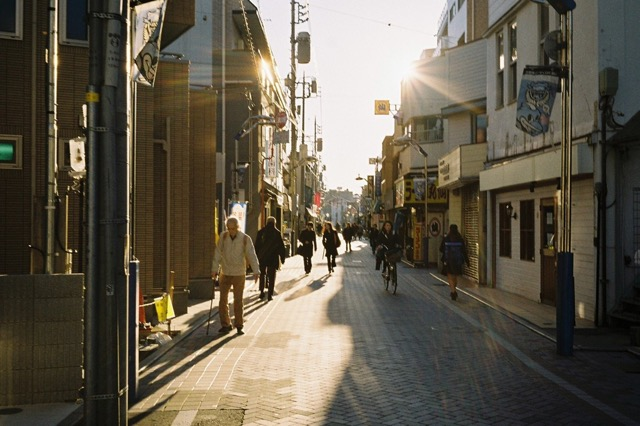 夕方の武蔵小杉の商店街