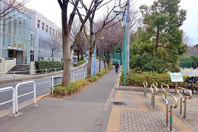 早稲田駅周辺にある戸山公園