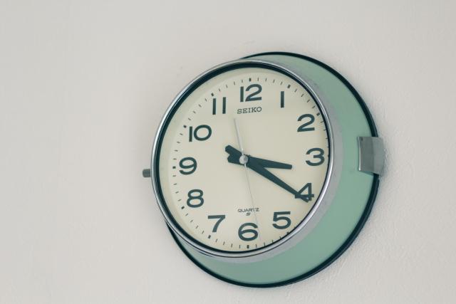ミニマリスト・おふみさん宅に掛けられている時計