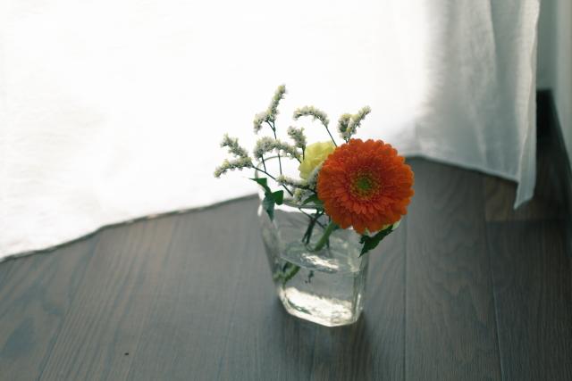 ミニマリスト・おふみさん宅に飾られた花