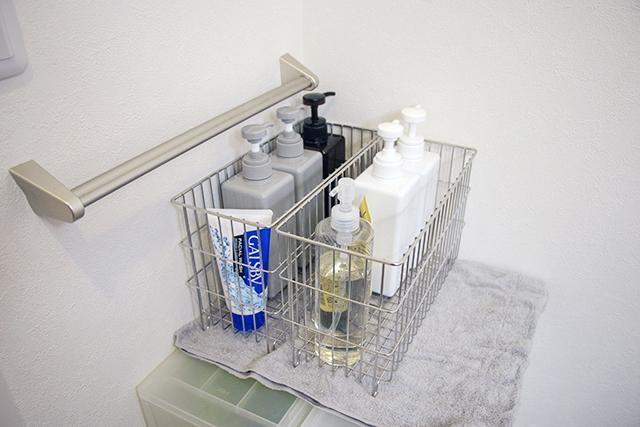 自分用、パートナー用とわけてお風呂セットを脱衣所に保管