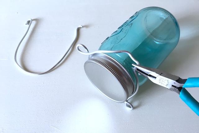 メイソンジャー風ボトルをソーラーライトにリメイクする工程:ハンドルとハンドルホルダーを作る