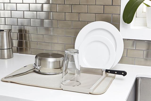 水切りカゴは使わない!一人暮らしの狭いキッチンで役立つ代用アイテム3選