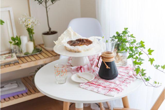 【一人暮らし × インテリア】インスタグラマーmariaさんのお部屋:mariaさんお手製のバスク風チーズケーキ