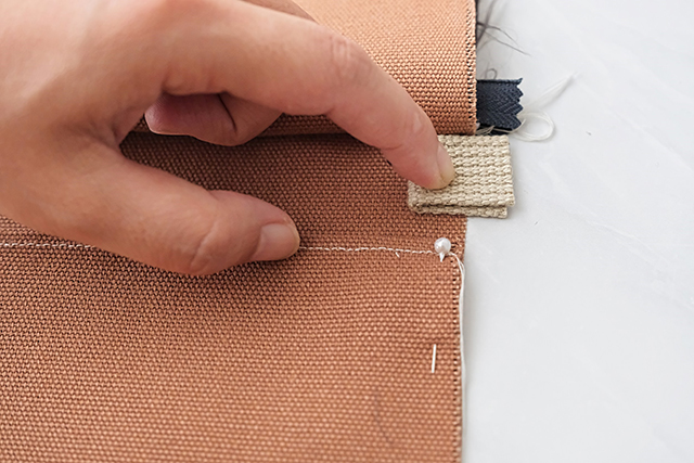 手作りサコッシュの制作工程:ループを使う