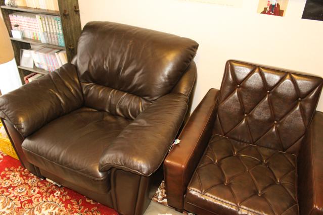 一人暮らし中の田中さん宅にある1人掛けソファ