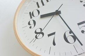 時計でお部屋にアクセントを