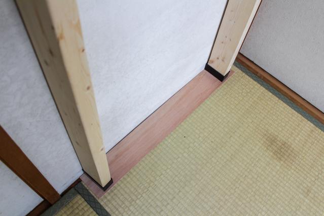 """壁面ディスプレイのDIY工程:ラブリコ「アジャスター」を使って壁に設置する"""""""