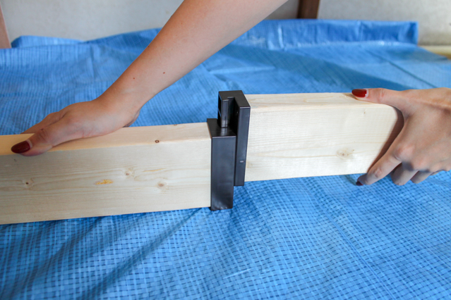 壁面ディスプレイのDIY工程:ラブリコを組み立てる