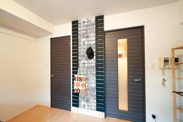 DIYで壁収納を設置した後の部屋の様子