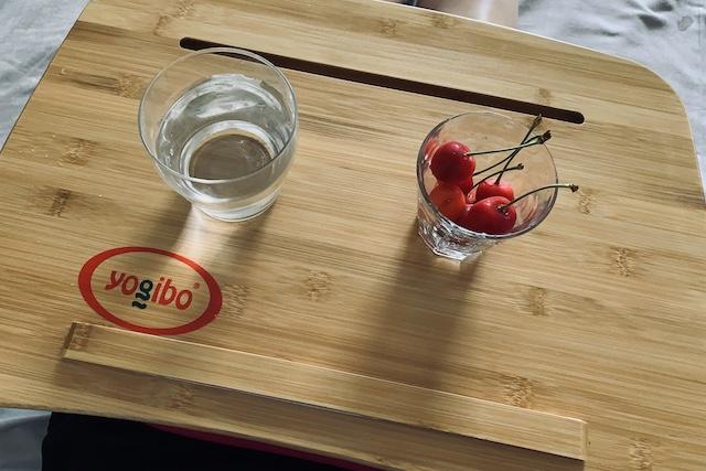 トレイボー2.0に置いてある飲み物と軽食