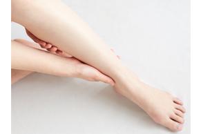 【一人暮らしビギナー向け医療コラム】夜中に足がつる原因って?予防や対策を医師が解説