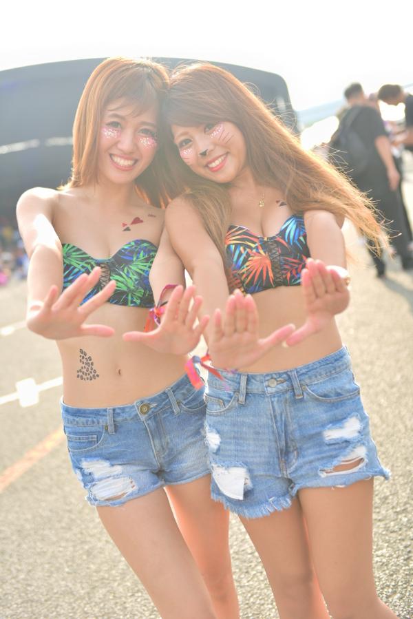ULTRA JAPAN 2018を彩ったウルトラ・ガールたちのスナップ #3①