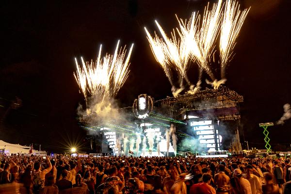 3月29日〜31日にアメリカ・マイアミで開催された世界最大級のダンスミュージックフェス「Ultra Music Festival(UMF)」のレポートをご紹介