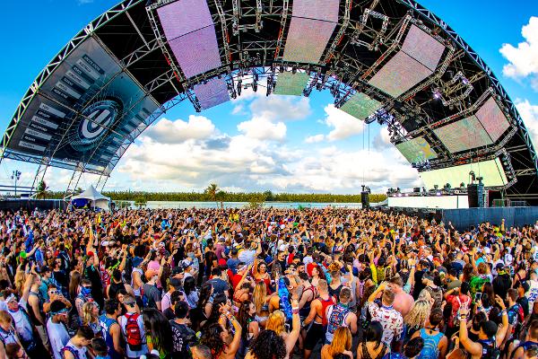 様々なジャンルのサウンドでクラウドを沸かす「Ultra Music Festival(UMF)」のLIVE ARENA