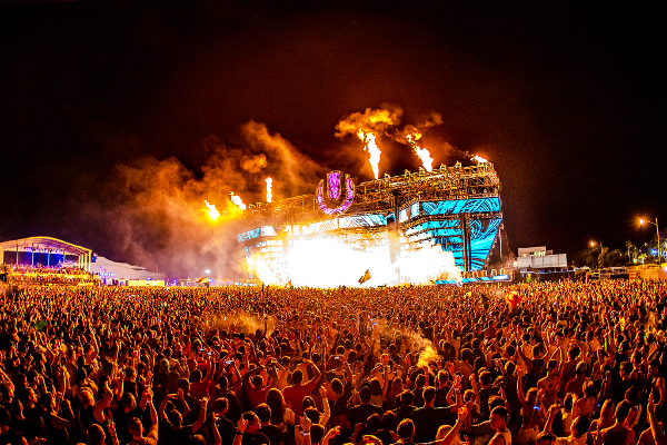 3日間の開催で世界中からのべ16万5千人もの来場者を記録した「Ultra Music Festival(UMF)」