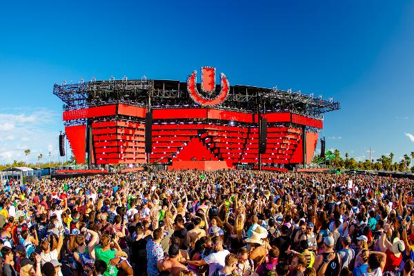 今回はステージの数も計8つに増加した「Ultra Music Festival(UMF)」