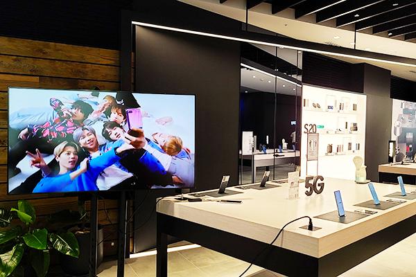 7月15日より新たにBTS特設コーナーを設置している、Galaxy世界最大級のショーケース「Galaxy Harajuku」