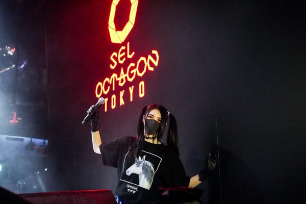 六本木SEL OCTAGON TOKYOで行われた動画配信企画「PARTY CHANNEL LIVE」でプレイするNATSUMI③