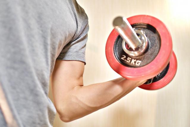 【一人暮らしビギナー向け医療コラム】筋トレや運動後の筋肉痛がひどい!原因や治し方を医師が解説