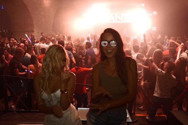 Culture Club Revelin(カルチャークラブ・レヴェリン)に遊びに来ていた女性