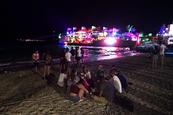 「パグ島」ズルチェビーチで楽しめる世界トップクラスのクラブ達