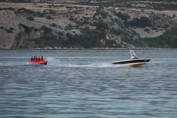 「パグ島」ズルチェビーチのマリンスポーツ