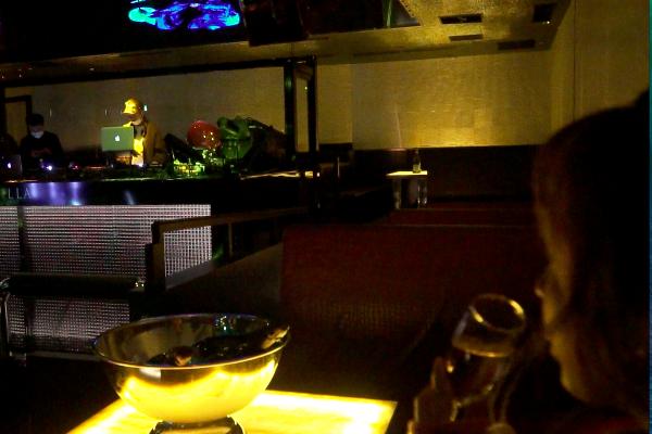 仲間と気軽にVILLA TOKYO(ヴィラトウキョウ)が楽しめるプチセレブなカジュアルVIP「S Table」
