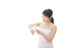 【美容ライターが解説】電気シェーバーでのムダ毛処理方法って?自宅での正しいセルフケア