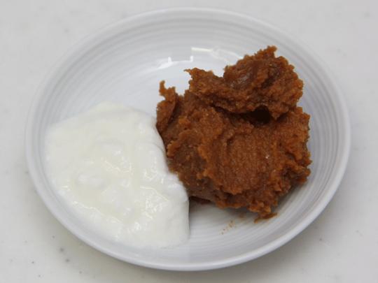 まずは、発酵食品同士の組み合わせということでヨーグルトにチャレンジ。